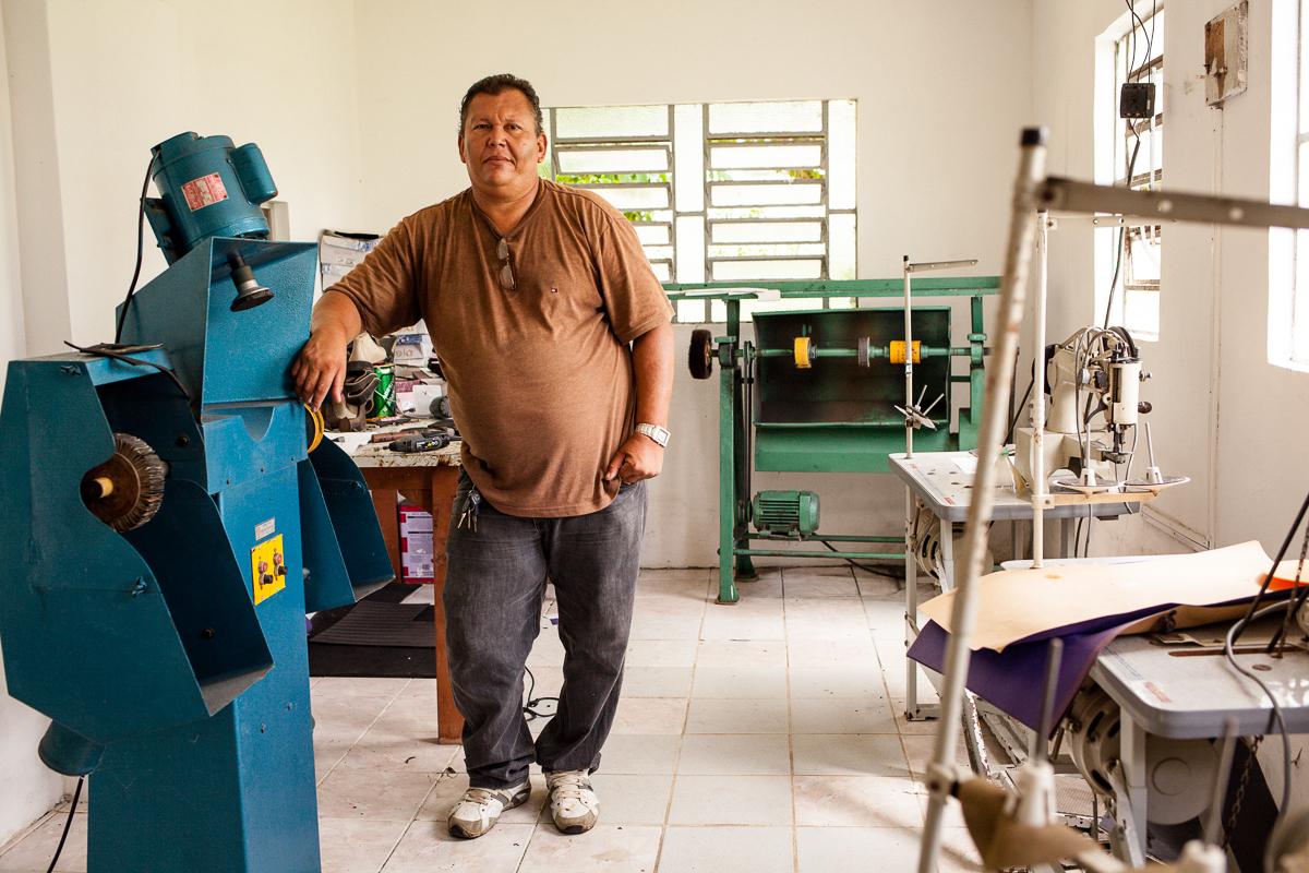 Sapateiro do Hospital da Mirueira. Foto: marcelo londono